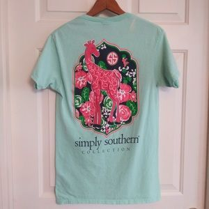 🔴5/$25 Simply Southern Giraffe T-Shirt, size S.